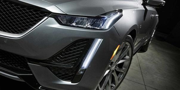 Cadillac представил новый седан CT5.