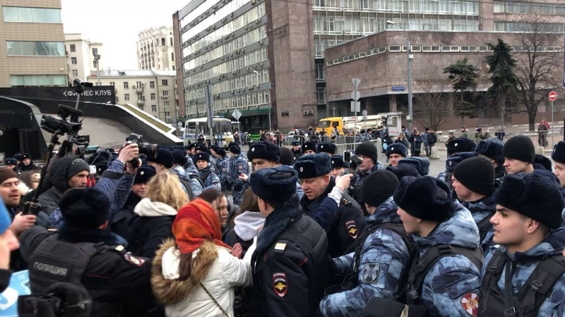 СРОЧНО⚡️Жесткие задержания после митинга за свободный интернет в Москве