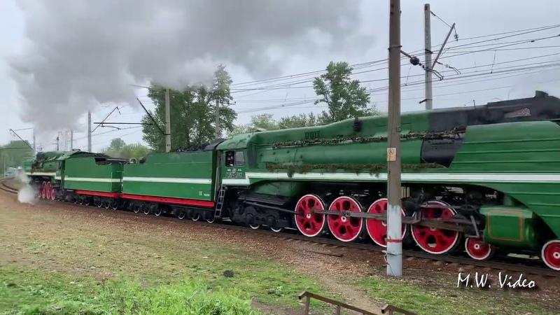 """Паровозы П36-0120 и П36-0110 с поездом """"Победа"""" №905."""