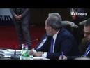 Медведев ведёт себя бескультурно смеясь над словом Пашиняна Интересно он владеет другим языком