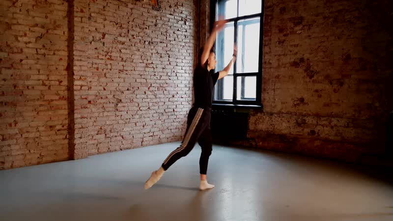 Contemporary dance Oleg Sofyanov