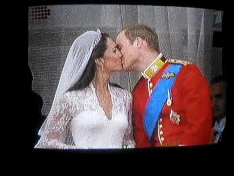 Принц Уильям и Кейт поцелуй / Wedding William Kate's Royal Kiss