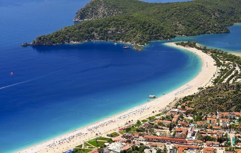 Где сказочно отдохнуть на море в сентябре?