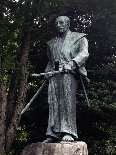 Книга пяти колец: трактат самурая с двумя мечами