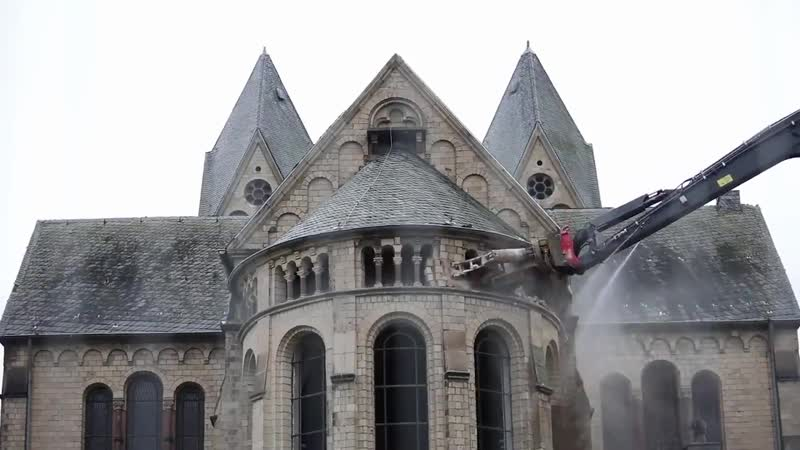ᴊᴏᴀɴɪᴇ ʟᴇᴍᴇʀᴄɪᴇʀ su Twitter Notre Dame de Immerath Destroyed-1 Altro che Notre Dame la Merkel in germania fà di peggio..alla luc