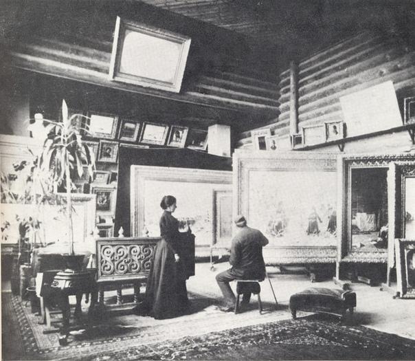 Мастерская художника Василия Верещагина в его доме в Нижних Котлах (Россия, 1890-е годы