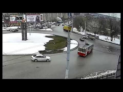 27 03 2019 ДТП на перекрёстке ул Удмуртская и ул Карла Либкнехта Ижевск