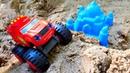 Вспыш и Экскаватор в песочнице - Игры с песком для детей