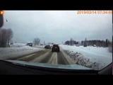 На выезде с Яреги иномарка Hyundai Santa Fe на полной скорости вылетела в кювет