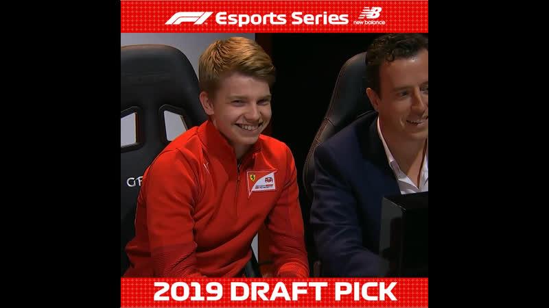 Роберт Шварцман принял участие в церемонии отбора пилотов в киберспортивные команды Формулы 1