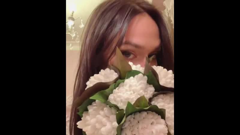 Алена Водонаева похвасталась букетом из подснежников 🌷