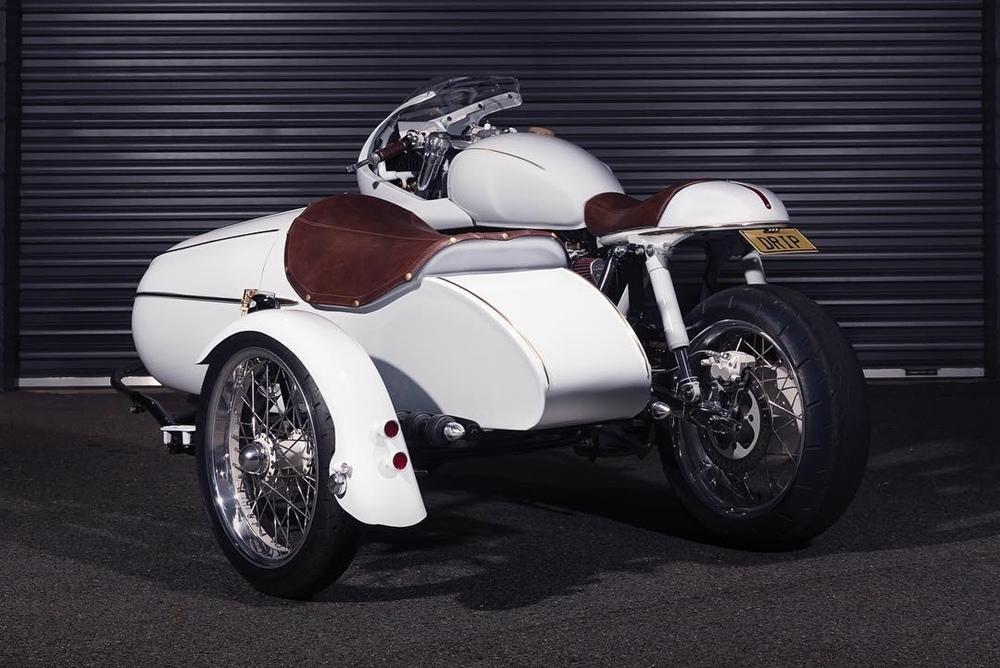 Purpose Built Moto: кафе рейсер Triumph Scrambler с коляской
