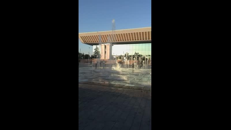 Главный фонтан у Дворца Республики