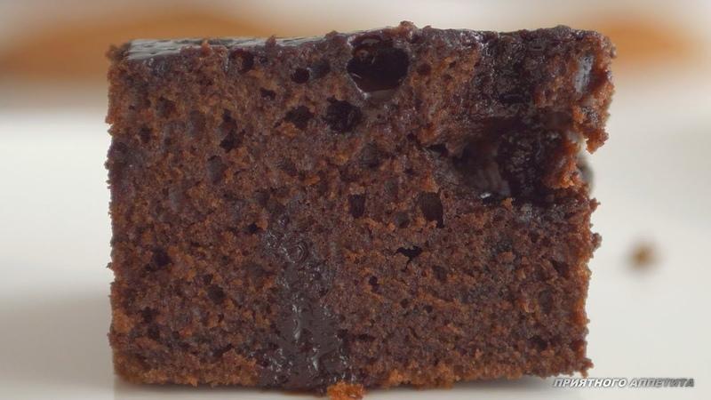 Простейший шоколадный пирог Тающие ломтики Приготовит даже ребенок