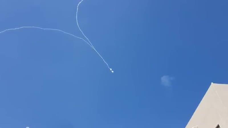 ПВО Израиля сбивает палестинские ракеты над Сдеротом