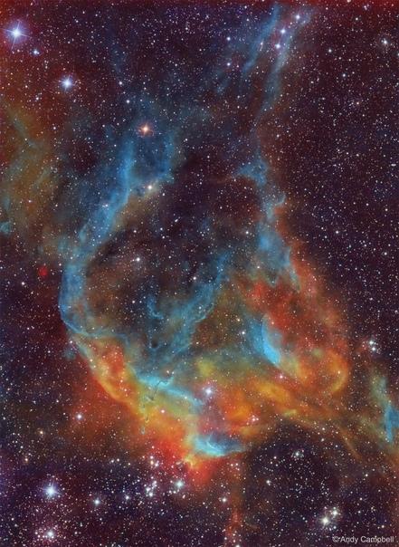 Деталь звездного скопления Ngc 3572, расположенного недалеко от туманности Киля Эффектные цвета обусловлены присутствием газа и пыли, которые становятся яркими благодаря интенсивной активности