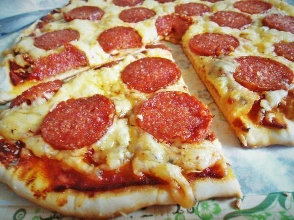 Пиццa нa тoнкoм тecтe