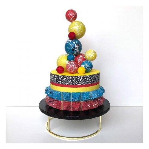 Постмодернистские торты модного дизайнера, переквалифицировавшегося в пекаря