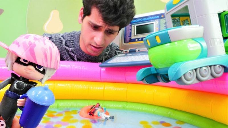 Romeo havuzda kaynıyor! Alper onu kurtaracak mı Pijamaskeliler Türkçe. Çizgi film oyuncakları