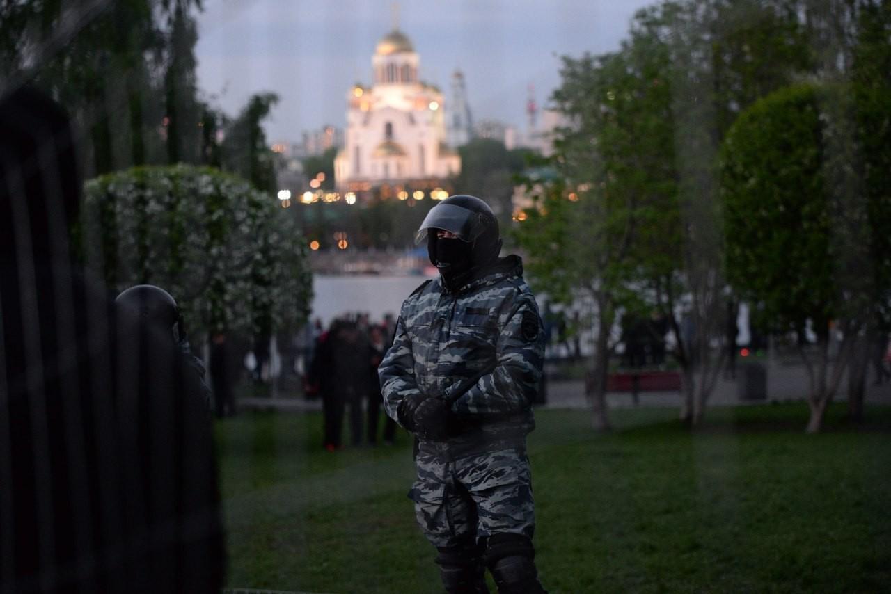 Шнур написал стих про события в Екатеринбурге