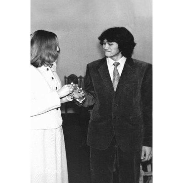 Свадьба Виктора Цоя, ЗАГС Московского района г. Ленинграда, 4 февраля 1984 года.