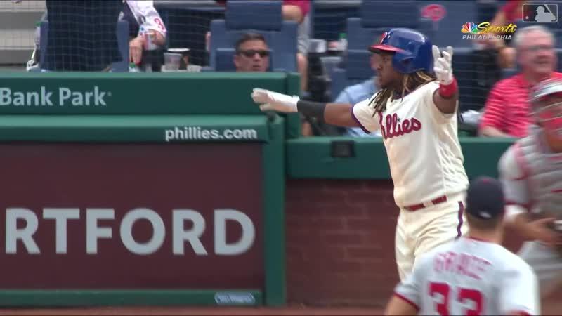 Maikel Franco's walk-off HR in 9th (№100) © MLB.com