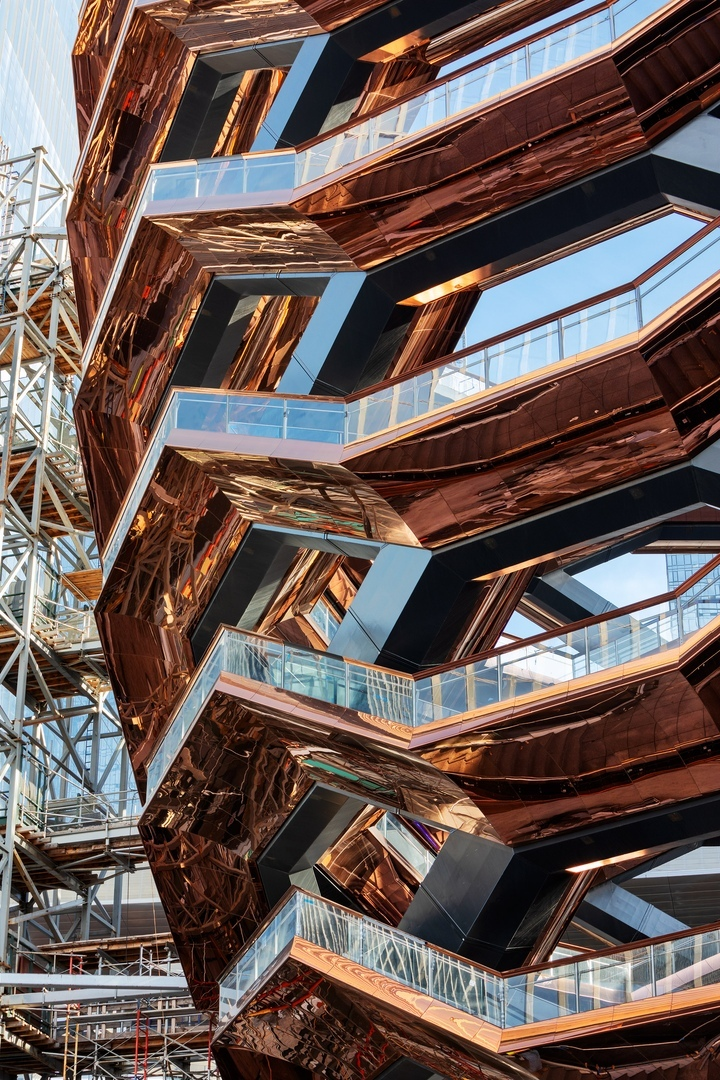 Смотровые площадки от Томаса Хизервика в Нью-Йорке на Хадисон Йардс открыты для посетителей.