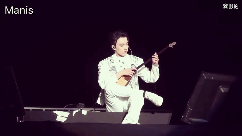 迪玛希Dimash 冬不拉He played the dombra at his concert