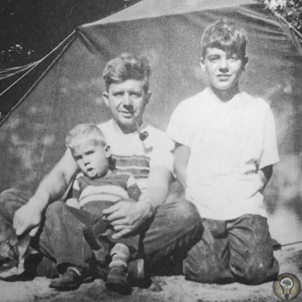 В семье Качинских родилось двое сыновей, каждый из которых в итоге прославился. Оба, став взрослыми, на какое-то время удалились от общества и вели асоциальный изолированный образ жизни. Один из