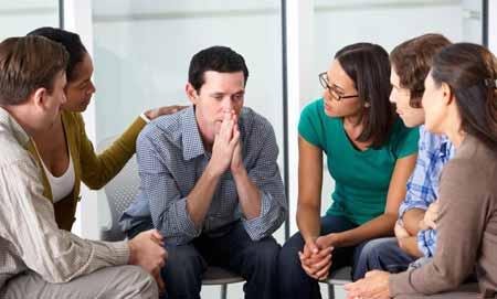 Групповое консультирование - это один из способов помочь справиться с зависимостью.