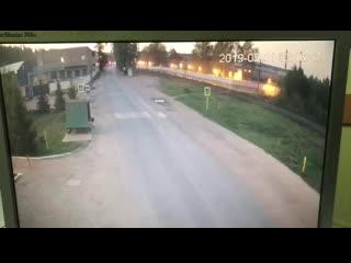 появилось видео ДТП, которое произошло на улице Волжская г. Зеленодольска (напротив магазина «Позис») сегодня около 3 утра.