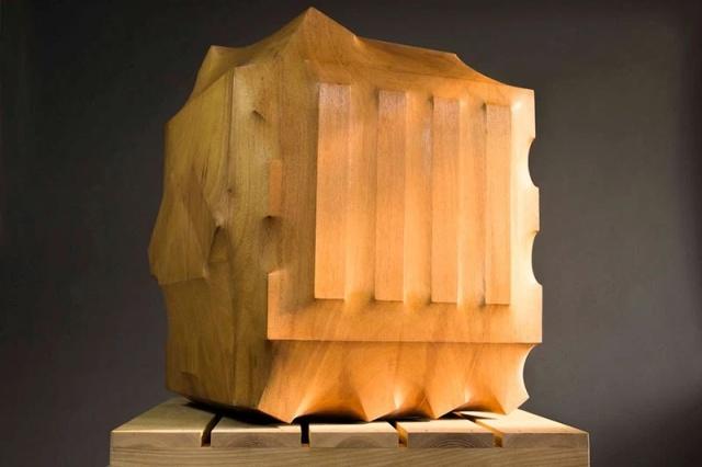 Скульптор из Тайваня мастерски создает фигуры из дерева