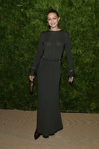 Эшли Грэм, сестры Хадид, Кэндис Свейнпол и другие на модной премии в Нью-Йорке. Часть 1 4 ноября, в Нью-Йорке состоялась 16-я церемония вручения премий CFDA/Vogue Fashion Fund Awards. Эти