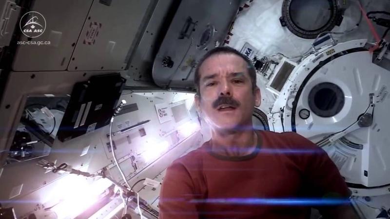 Astronaut Chris Hadfield Space Oddity song HD, HQ, Major Tom, David Bowie (xkcdoff)