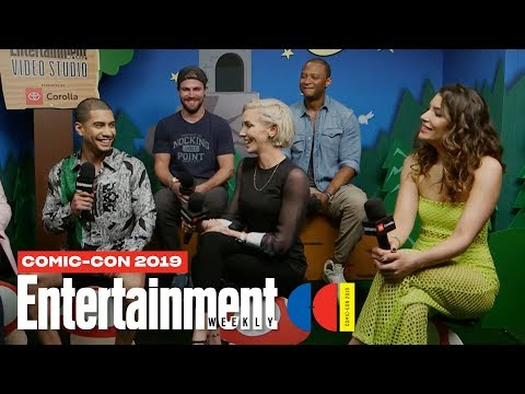 'Arrow' Stars Stephen Amell, Katie Cassidy Cast Join Us LIVE | SDCC 2019 | Entertainment Weekly