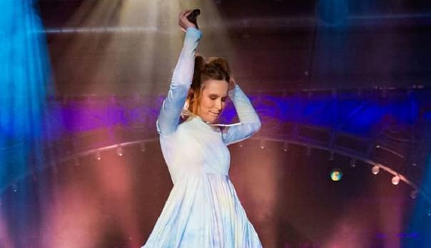 Лиза Монеточка презентовала свой новый трек на шоу «Вечерний Ургант»