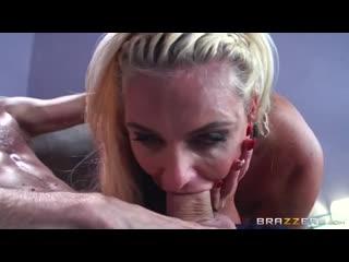 Молодой парень вставил в рот блондинки свой огромный член — смотреть онлайн.mp4