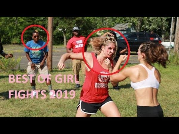 Liseli Kızların Sokak Kavgaları ve İzleyenlerin Komik Tepkileri (18) Girl Fights On the street