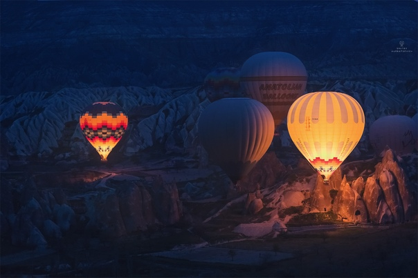 В воздухе сумерек (Каппадокия, Турция)Фото: Dmitry upratsevich