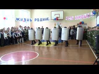 В челябинской области в школу пригласили спецназ, который показал детям как разгонять толпу людей