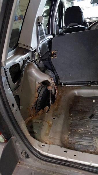 Шокирующие фотографии из автосервиса. Чего только механики не видали.