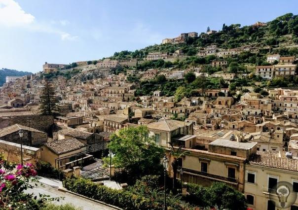 Малоизвестные городки в Сицилии, которые стоит посетить 1. Модика барокко и шоколад Городок Модика находится в районе Иблейских гор в провинции Рагуза. Это один из архитектурных памятников
