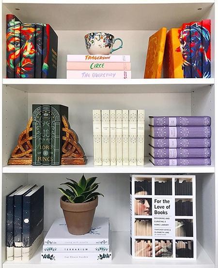 Гвинет Пэлтроу наняла специалиста, чтобы он купил 600 книг для ее домашней библиотеки