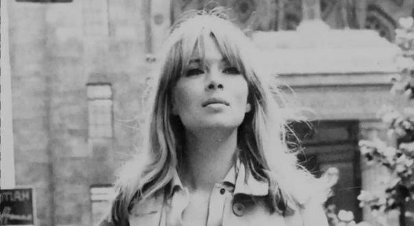 КРИСТА ПЭФФГЕН (Нико) 16 октября 1938 года в немецком городе Кёльн родилась Криста Пэффген девушка, которая останется в истории под именем Нико. Она овладела несколькими профессиями: была