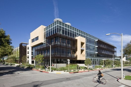 331 Foothill Road Office Building / Ehrlich Architects | ArchDaily