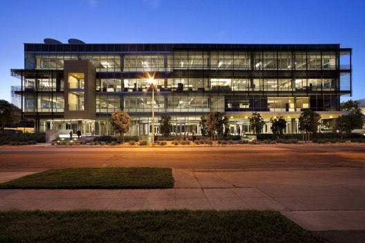 331 Foothill Road Office Building / Ehrlich Architects   ArchDaily