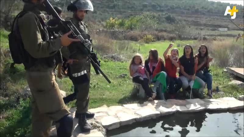 NABI SALAH : Un petit village qui résiste à l'ogre sioniste par Dena Takruri