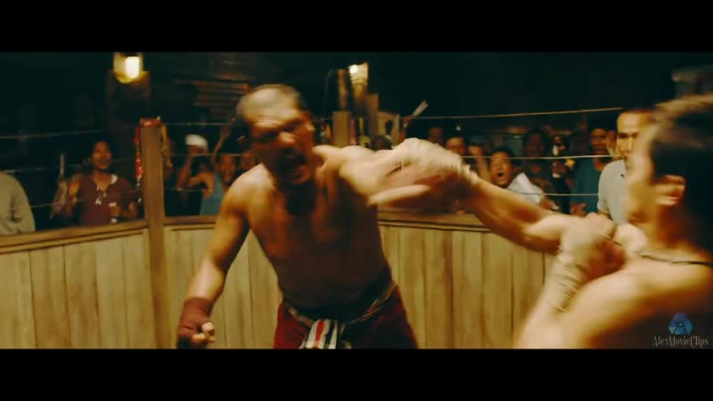 Payu (Tony Jaa) fights in an underground fight without rules. Triple threat
