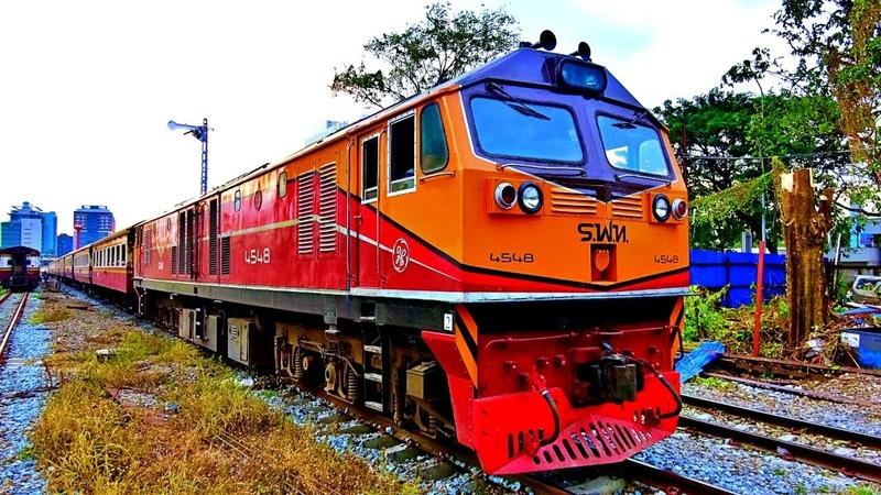 Railway. Thailand SRT Train departure from Bangkok / Отправление пассажирского поездом из Бангкока