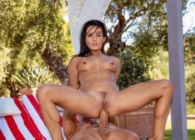 Porno Tushy Honeymoon